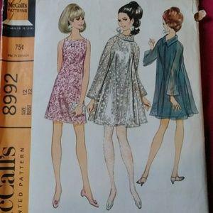 Mod 60s dress pattern
